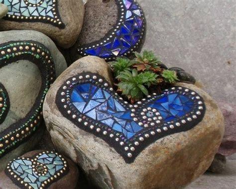 Fliesen Bemalen Aussenbereich by Mosaik Basteln Stein Mosaik Im Garten