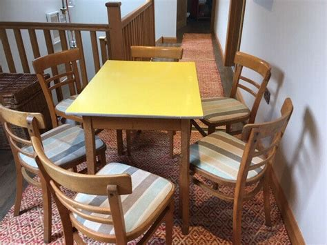 retro  formica top kitchen table    chairs
