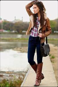 31 best images about Senior photo outfit ideas on Pinterest | Senior pics Blue shorts and White ...
