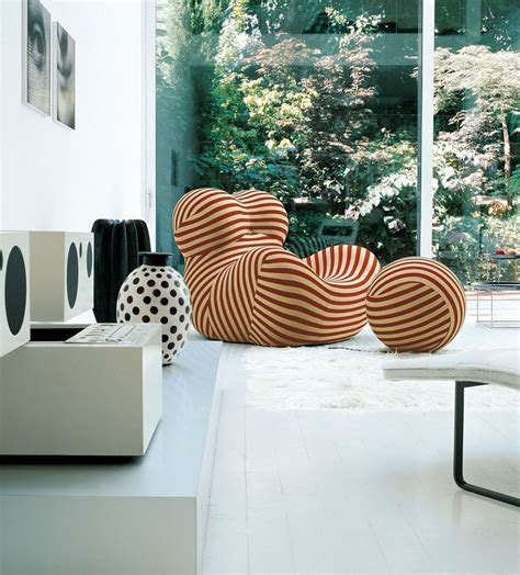 Bid In Italiano Armchair Serie Up 2000 B B Italia Design By Gaetano Pesce