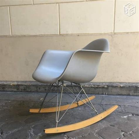 chaise eames bascule 17 best ideas about fauteuil bascule on