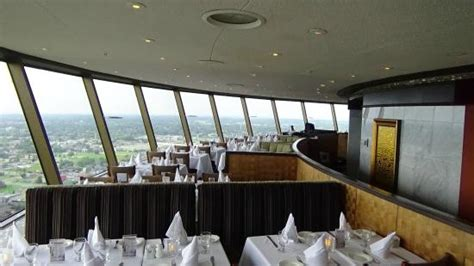 skylon tower revolving dining room restaurant hauptgang chicken picture of skylon tower revolving