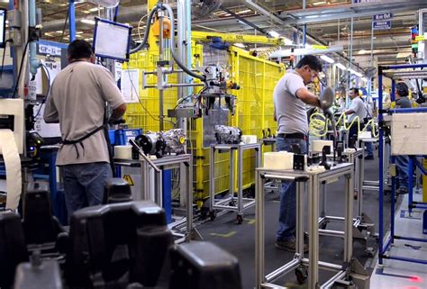 magna international net income increases