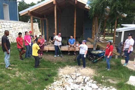 mission trip leads students texas homeless community arkansas