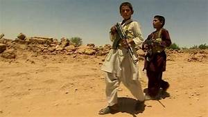 Afghan child soldiers fighting the Taliban - BBC News