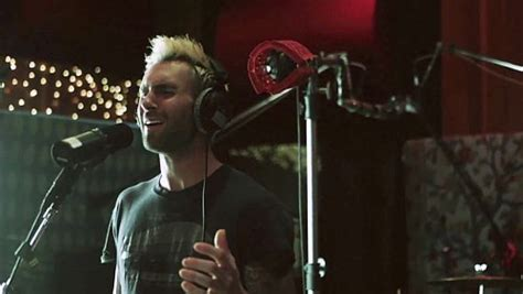 Adam-levine-sings-acoustic-version-of-lost-stars-from