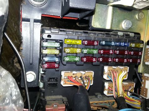 Renault Clio Mk1 Fuse Box by Technical Fiat Punto 98 Radio Fuse The Fiat Forum