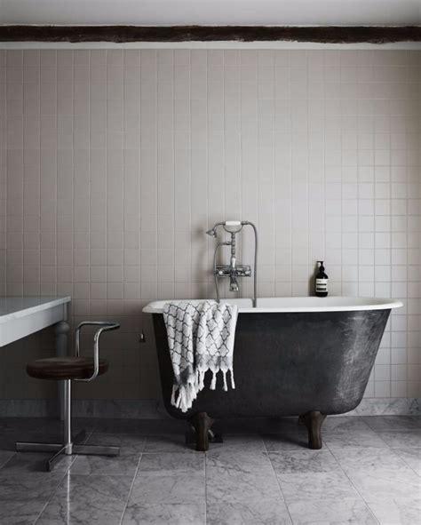 inspired   black  white bathroom design ideas