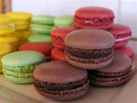 what color is the cookie bennison s bakery authentic parisienne macarons