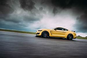 Ford Mustang Shelby GT350R review – A muscle car for the track Evo