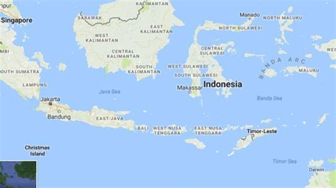 strong  earthquake hits indonesias sumatra  tsunami