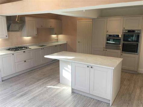 howdens oak kitchens   DeducTour.com