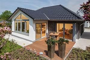 Haus Walmdach Modern : hausgalerie detailansicht baumeister haus kooperation e v ~ Indierocktalk.com Haus und Dekorationen