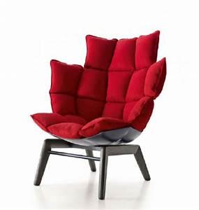 Une fauteuil design rouge l39 expression des ames for Fauteuil confortable et design