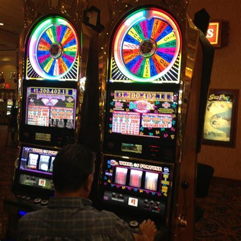 fortune wheel slots vegas play