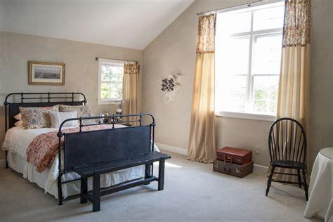 modern shabby chic furniture 25 simple farmhouse bedroom design ideas