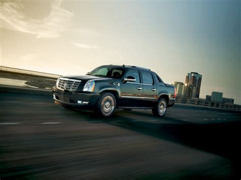 cadillac escalade ext info pictures wiki gm authority