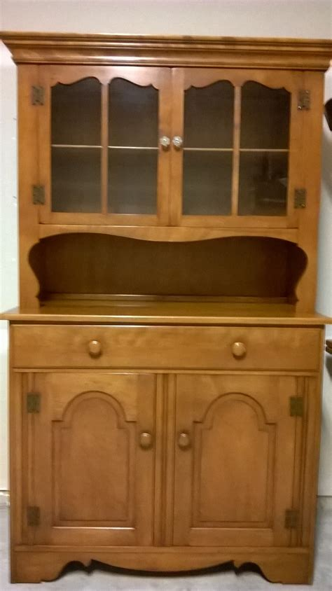 maple dining room set  hutch  sale