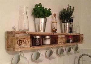 Schmales Regal Küche : warum im schrank platz f r tassen verschwenden wenn es eine so sch ne alternative gibt ideas ~ Markanthonyermac.com Haus und Dekorationen