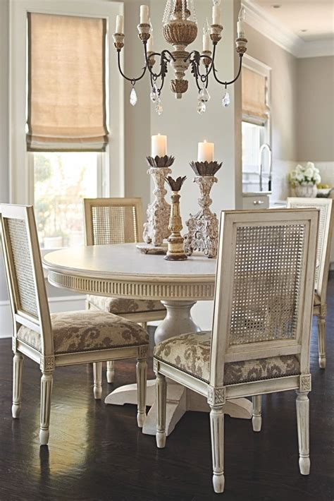 dining rooms cry   centerpiece furnishings