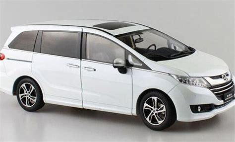 18 Scale Diecast Honda Odyssey Model