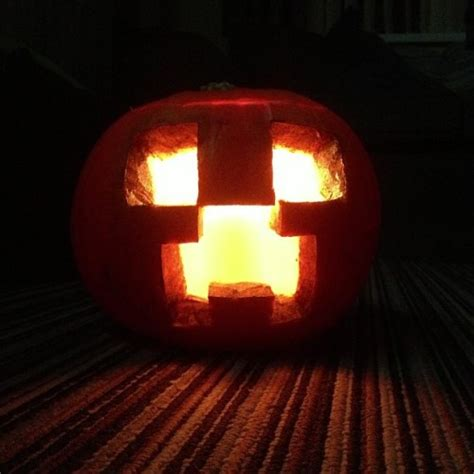 Geekin' On Minecraft, Blazekins678 Pumpkin Carving