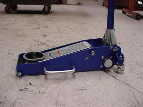 is this floor jack from harbor freight good page 2