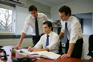 Image Bureau Travail : l homme de confiance dans l entreprise ~ Melissatoandfro.com Idées de Décoration