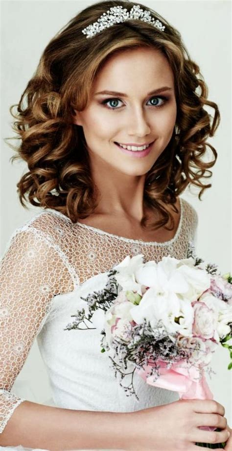 Half Up Wedding Hairstyles With Tiara by Wedding Hairstyles With Tiara Bridal Tiaras Hairstyle
