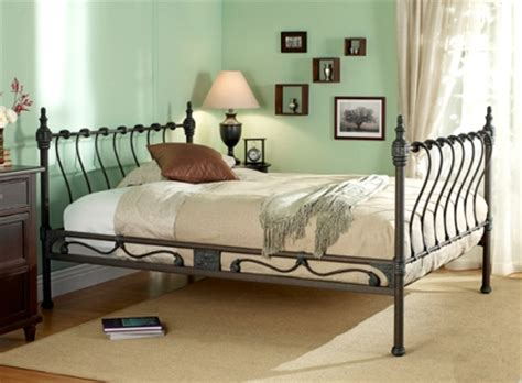 bedrooms with wrought iron mattress designs