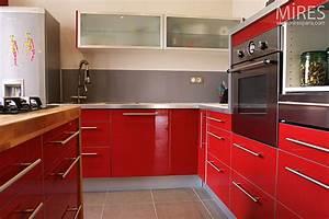 pierre de parement cuisine chaioscom With faience cuisine rouge et blanc