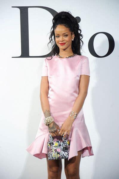rihanna  pretty  pink  dior show rap