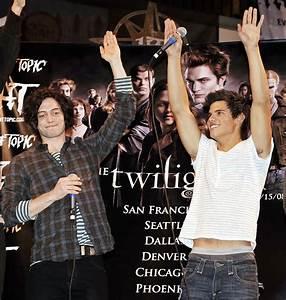 "Taylor Lautner Photos Photos - ""Twilight"" Cast & Paramore ..."