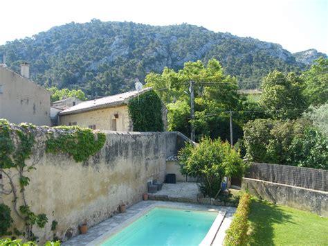 ventes maison de robion magnifique maison atypique avec piscine et jardin au