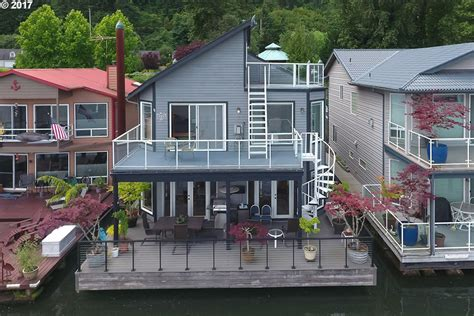 House Boats For Sale In California by 6 Houseboats For Sale Right Now At Home Trulia