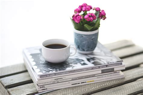White, Flower, Reading, Newspaper, Magazine Black Coffee Diet Starbucks Locations Irish Rezept Coffees Explained Grande Malaysia Vector Recette Originale