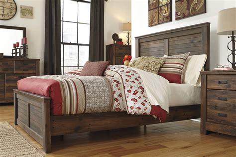 Quinden Ashley Bedroom Set