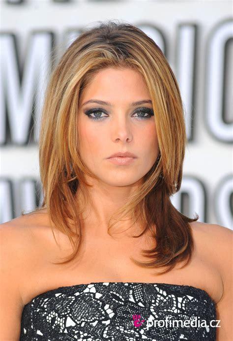 Ashley Greene     hairstyle   easyHairStyler