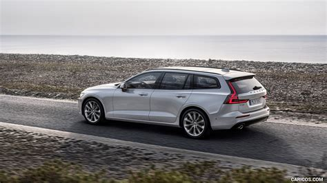 2019 Volvo V60 T6 Awd Momentum (color Birch Light