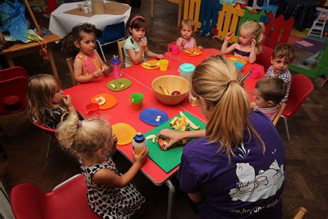 meals and snacks at pebbles daycare and nursery newhaven 805   IMG 5985