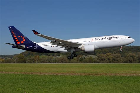 File:Brussels Airlines A330-200 ZRH HB-IQA 2011-10-4.png - Wikimedia Commons