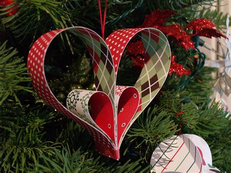hand made christmas out of paper paper tree ornaments crafty lifestyle