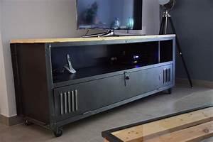 Casier Vestiaire Industriel : meuble tv avec un casier m tal ac t original wood cr ations originales en bois home decor ~ Teatrodelosmanantiales.com Idées de Décoration