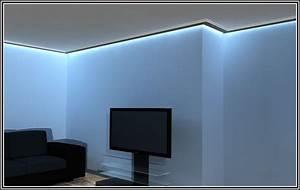 Wand Indirekte Beleuchtung : indirekte beleuchtung lichtleiste wand beleuchthung house und dekor galerie bdamxbwg93 ~ Sanjose-hotels-ca.com Haus und Dekorationen