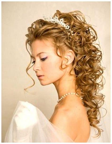wedding hairstyles  long curly hair  veil