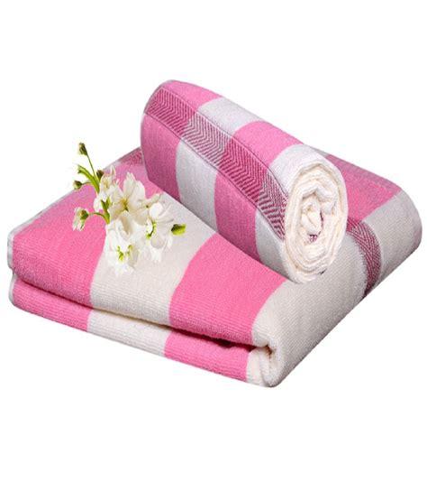 pink bathroom towel set homesazz pink cotton bath towel set of 2 buy homesazz