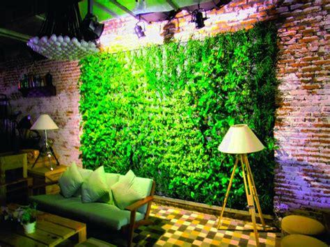 desain taman vertikal  tembok rumah