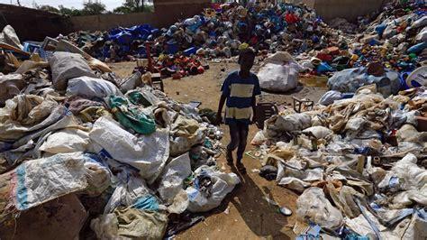multas de hasta  euros en kenia por usar bolsas de