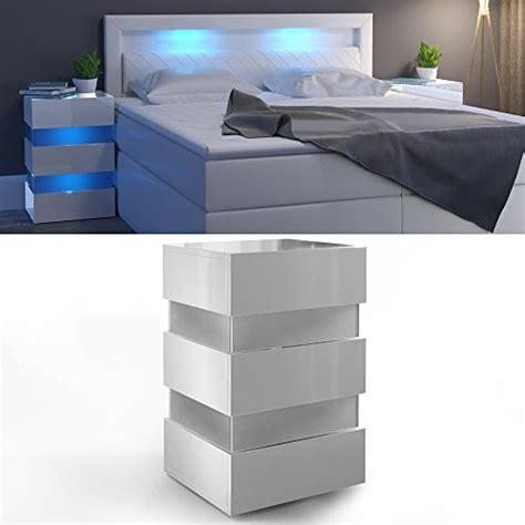 nachttisch mit led nachttisch led 70cm hoch f 252 r boxspringbett wei 223 hochglanz nachtkommode nachtschrank kommode