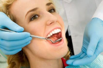 assistente alla poltrona requisiti diventare assistente alla poltrona dentista requisiti